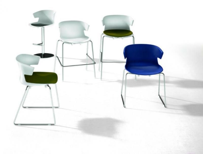 stock b roeinrichtungen stapelbarer stuhl mit sitzschale aus kunststoff. Black Bedroom Furniture Sets. Home Design Ideas