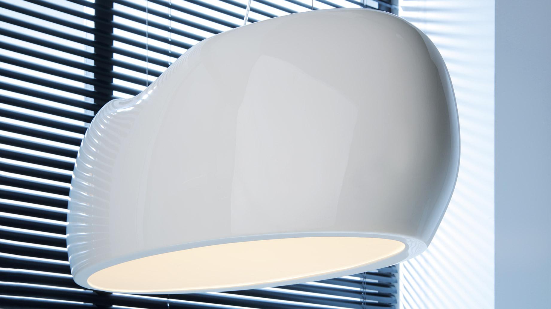 stock b roeinrichtungen helle design b roleuchte f r hohe und gro e r ume. Black Bedroom Furniture Sets. Home Design Ideas